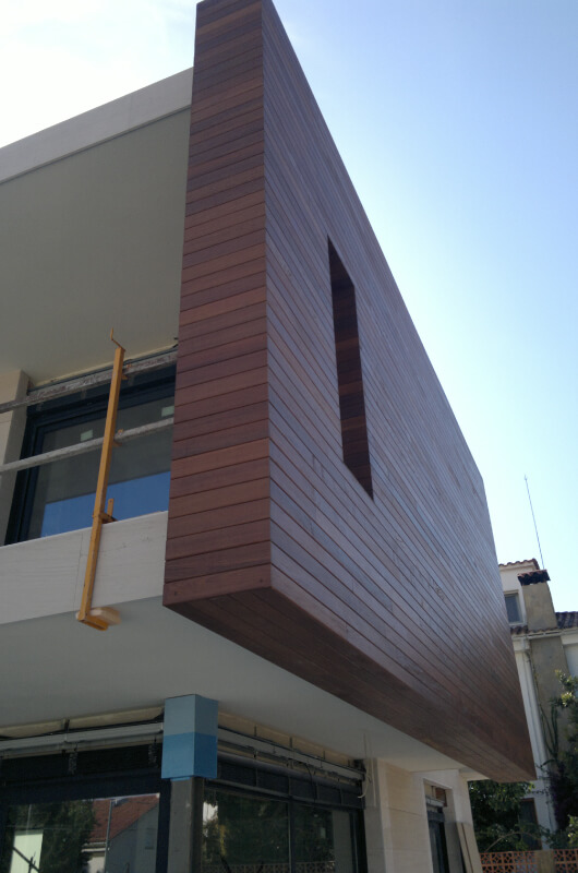 pared-madera-tropical-barcelona-2