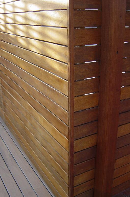 pared-madera-tropical-barcelona-6