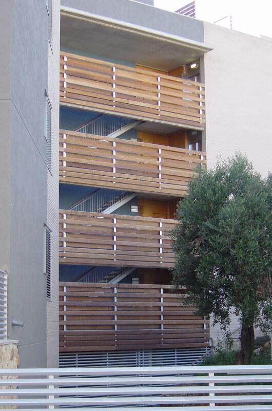 pared-madera-tropical-barcelona-7