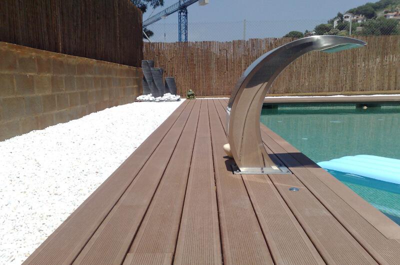 Piscina tarima madera sintetica barcelona 102 for Tarima piscina