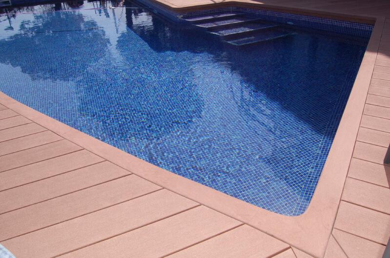 piscina-tarima-madera-sintetica-barcelona-107