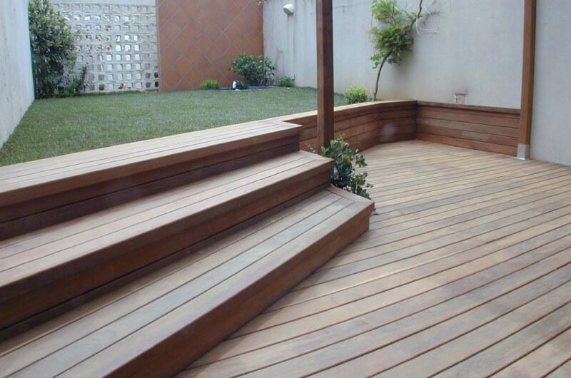 Escaleras de madera para exteriores simple guayubira for Escaleras caracol sodimac