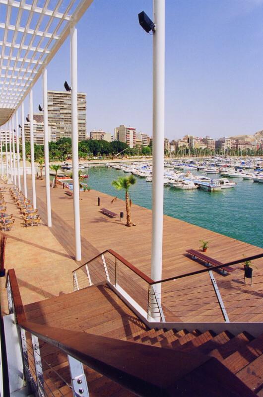 grandes-instalaciones-madera-barcelona-5